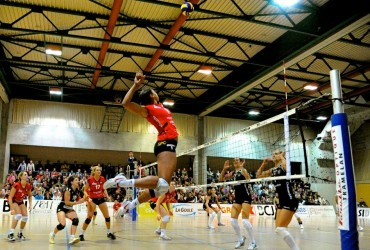 Pro Volleyball Player (Whitney Dosty) Shares How She Made It